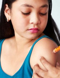 How to Give an Insulin Injection to Your Diabetic Child