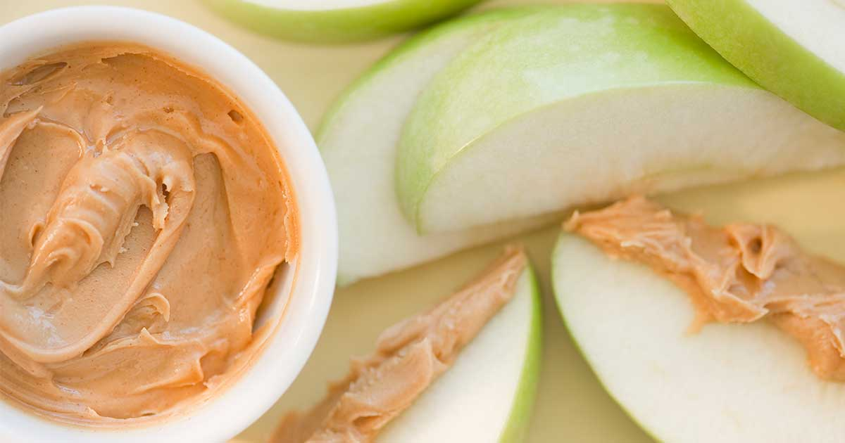 peanut butter and apples: a snack for diabetics